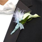 Boutonnieres-white lily with feather