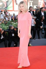 Sophie Kennedy Clark in Stella McCartney