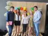 Mariano, Anastasia y Kezia de Bodastory con Cinthya y Mario