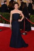 Jennifer Garner teamed her MaxMara gown with a Ferragamo clutch and David Webb jewels