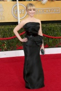 Melissa Rauch in Rubin Singer and Swarovski