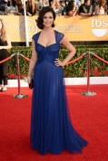 Morena Baccarin accessorised her Monique Lhuillier gown with a Jimmy Choo bag and Brian Atwood shoes