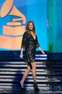 Julia Roberts in Elie Saab with Gucci heels