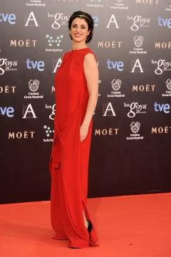 Ruth Gabriel se decantó por un vestido rouge de Moisés Nieto