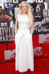 Ellie Goulding in Giorgio Armani with Jimmy Choo shoes